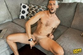 Stud jerking off and cums